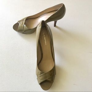 Via Spiga Patent Leather Open Toe Pumps Size 11M